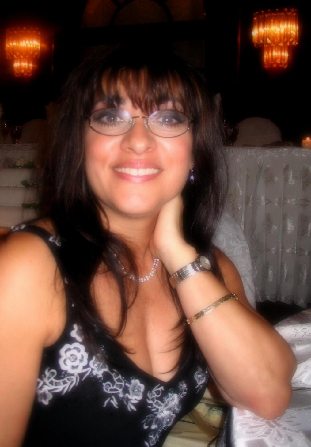 Lucy Toppetta, La Luz Therapy