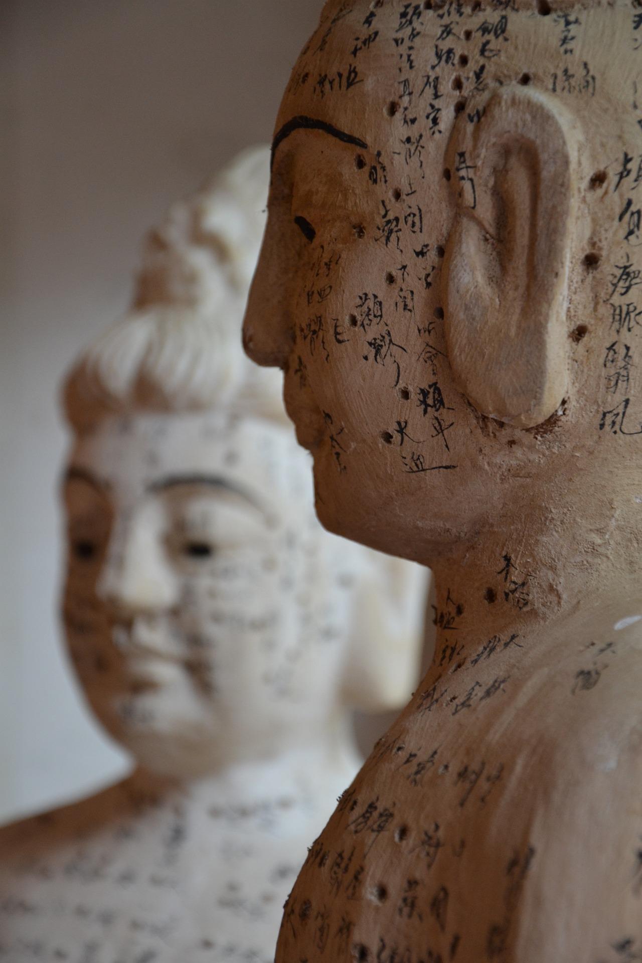 Healing  La Luz Therapy www.laluztherapy.com reiki meditation wellness vocal sound therapy Lucy Toppetta